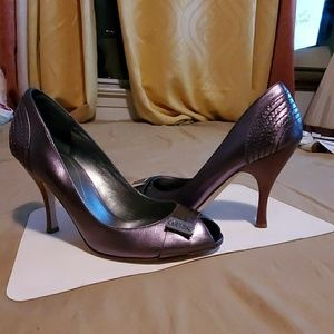 Guess heels (new)